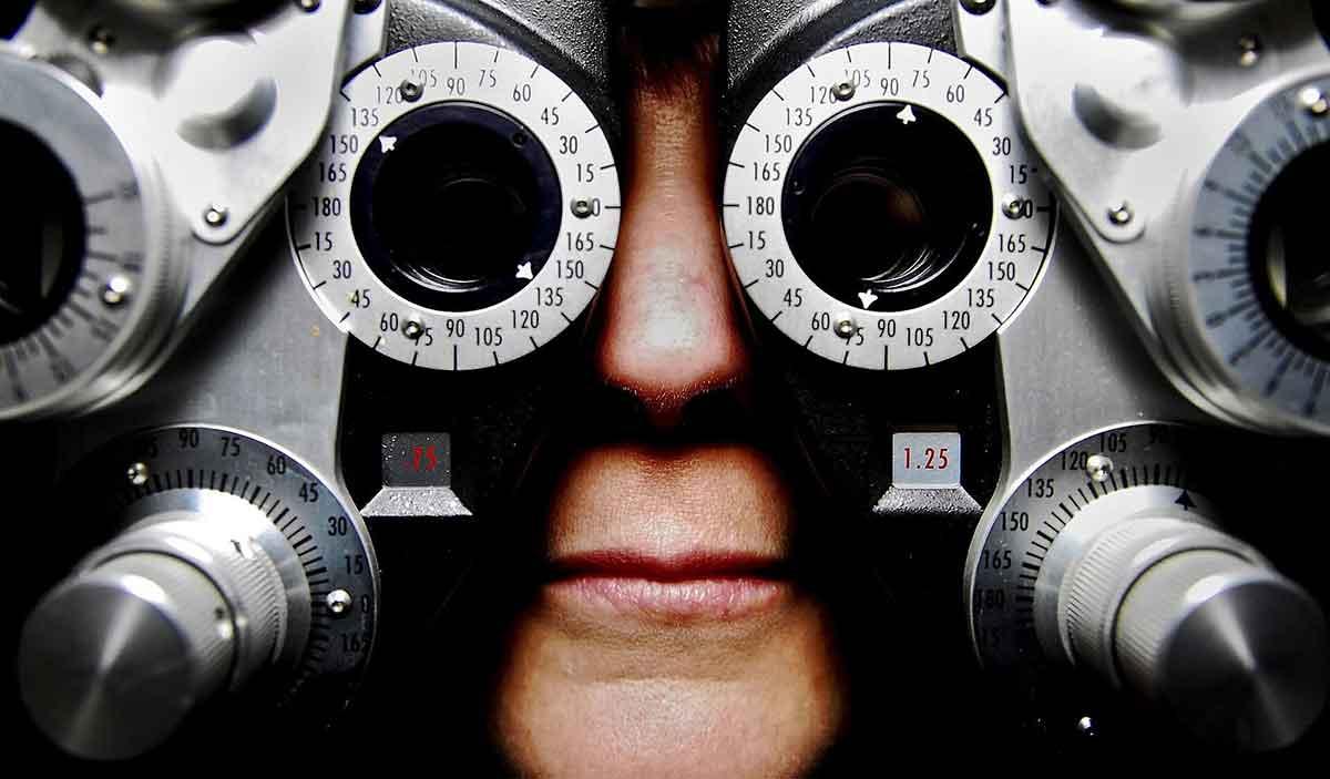eyeglasses-679696_1920